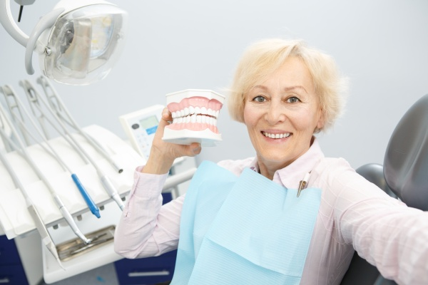 Oral Hygiene Tips For People With Dentures
